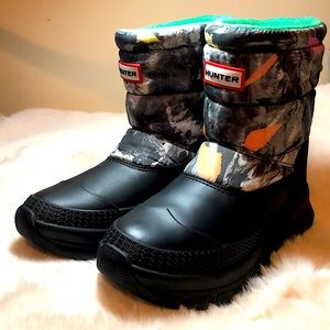 HUNTER NWT insulated storm camo print snow boot